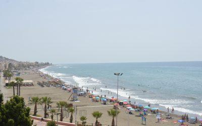 Rincón la Victoria renueva la declaración de `Zona de Gran Afluencia Turística´ permitiendo la libertad horaria de los comercios en Semana Santa y verano