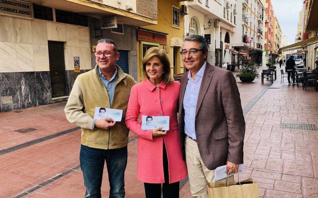 Esperanza Oña visita Rincón acompañada de Francis Salado para conocer las inquietudes de vecinos y comerciantes