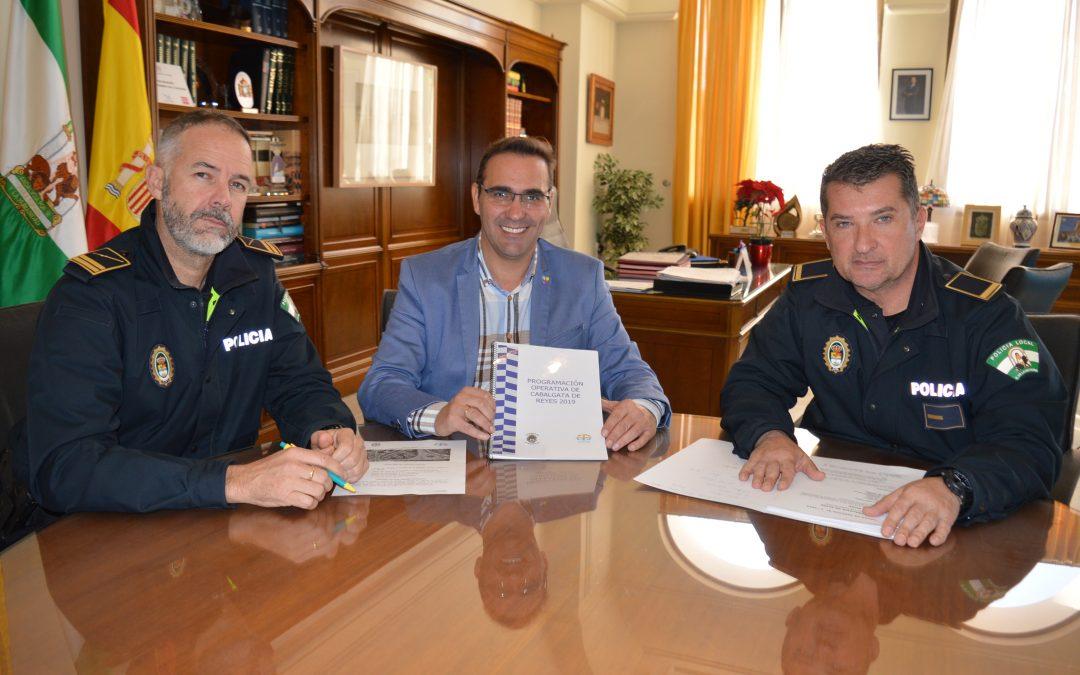 La Policía Local de Rincón de la Victoria presenta un dispositivo de seguridad para la Cabalgata de los Reyes Magos que duplica la presencia policial