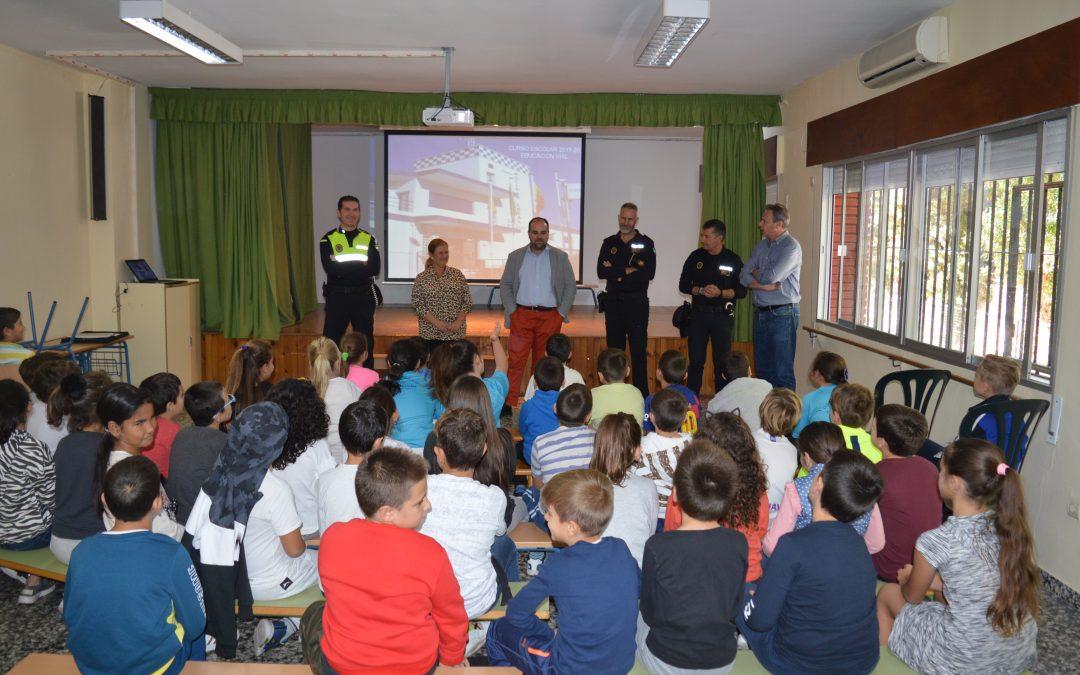 Unos 700 alumnos de centros educativos del municipio participan en el XV Plan de Educación Vial impartido por la Policía Local de Rincón de la Victoria